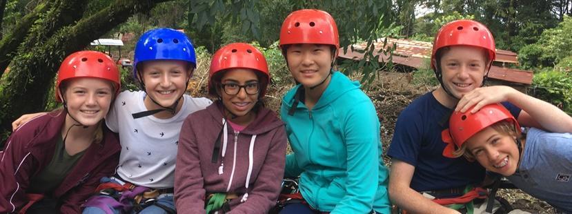 Frivillige på juniorprojekt klar til klatretur