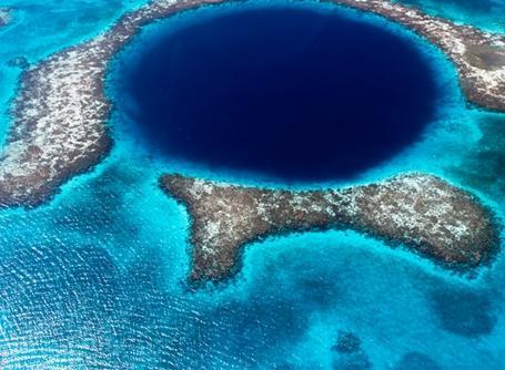 Der er smukt på under og over vandet i Belize