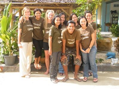 Vores lokale personale i Thailand.