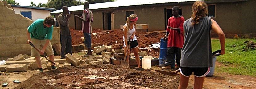 Frivillige på byggeprojekter