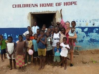 Frivillig sammen med ghanesiske børn