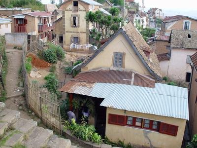 En del af byen Moramanga i Madagaskar