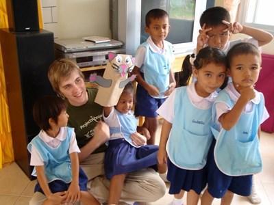 Frivillig på humanitært projekt i Thailand