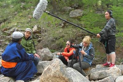 Frivillige ude på journalistisk opgave i Mongoliet