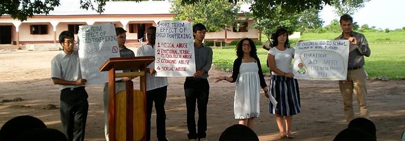 Workshops og foredrag om menneskerettigheder i lokalsamfund