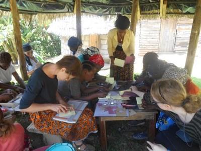 Frivillige rådgiver lokalsamfundet i menneskerettigheder