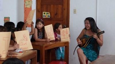 Musikundervisning på Galapagos