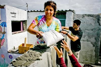Frivillige hjælper lokalsamfund