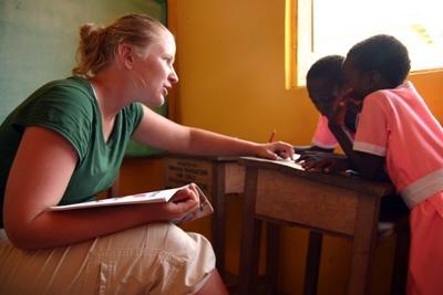 Der bliver arbejdet frivilligt med taleterapi i Ghana