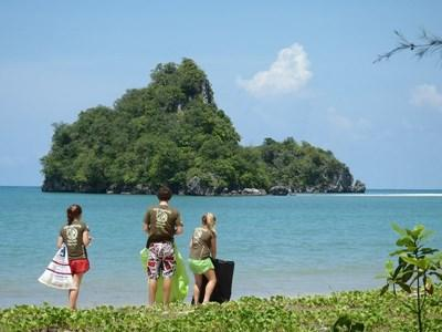 Frivillige på naturbevaringsprojektet i Thailand