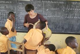 Frivilligt arbejde i Humanitært Arbejde &<br />Undervisning