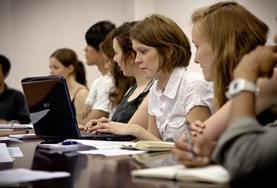 Frivilligt arbejde i Jura, Menneskerettigheder &<br />International Udvikling