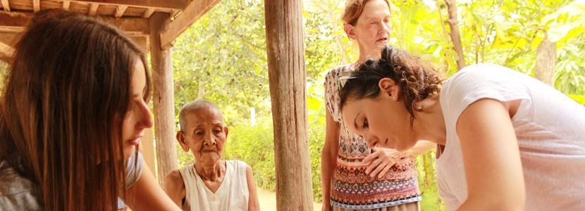 Praktikanter i gang med arbejde på folkesundhedsprojektet
