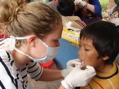 Frivillig på projekt inden for odontologi i Peru
