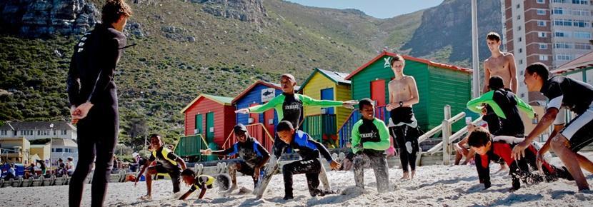 Undervis blandt andet i at surfe på strandene ved Cape Town