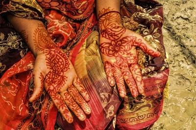 Henna på hænder i Bangladesh