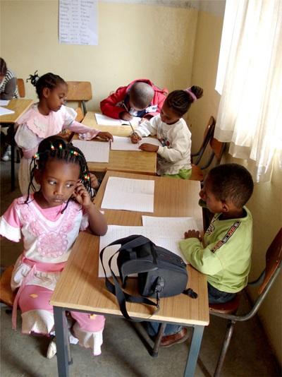Elever på skole i Addis Ababa, Etiopien