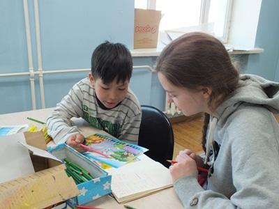 Ung frivillig underviser i engelsk i Mongoliet