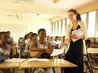 Svensk frivillig på skole i Ghana